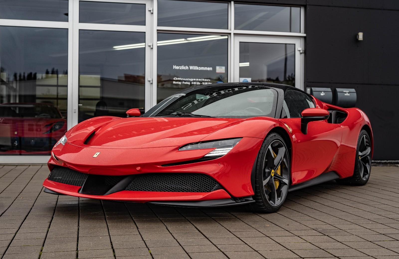 Ferrari Sf90 Stradale Neu Kaufen In Hechingen Bei Stuttgart Preis 765600 Eur Int Nr 20 589 Verkauft